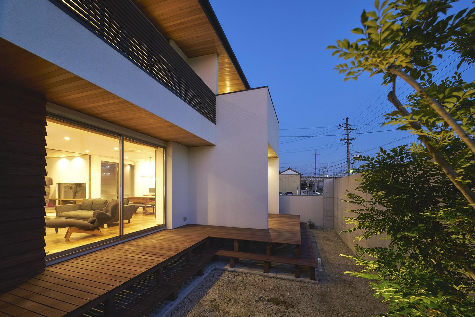 線路沿いの家_H建築スタジオ