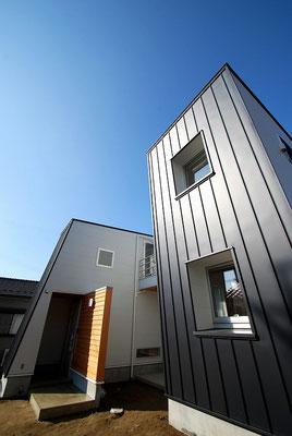 14′  n – 邸 / Wall × Wall